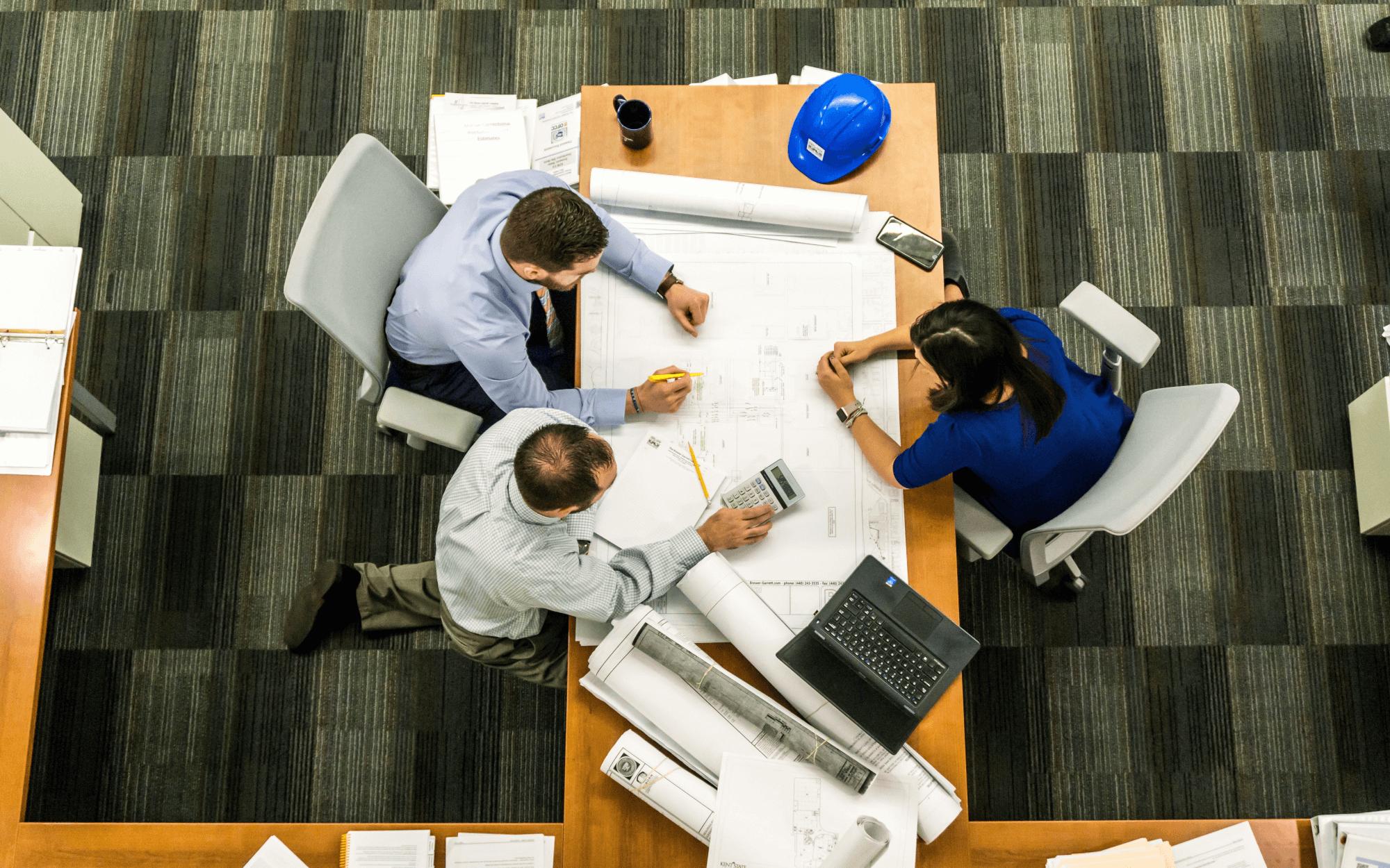 Managers ontwikkelen de strategie | Dat is logisch toch?